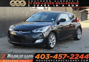 2017 Hyundai Veloster Tech/ Back Up Cam / Bluetooth FWD Sedan