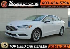 2017 Ford Fusion SE w/ Back up cam