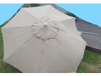 Quality 2.5m round crank parasol with tilt facility - BRAND NEW, NEVER USED