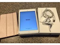 Ipad Mini 2 with case, charger and original box.