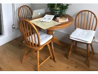 Simple oak table + 4 dining chairs