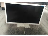 24inch white tv/dvd