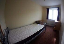 Spacious Double Bedroom in Brixton