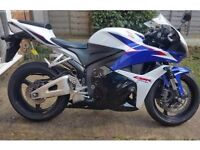HONDA CBR600RR, 62 PLATE. 2000 MILES FROM NEW, LIKE NEW CONDITION
