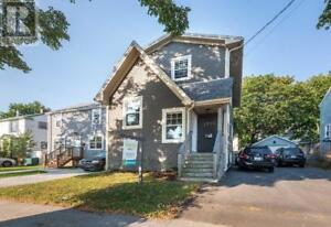2729 Connaught Avenue Halifax, Nova Scotia