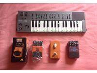 Yamaha CS01 analog monosynth, Behringer BSY600 Bass Synth, SF300 Super Fuzz, Rocktronics JF-06 Phase