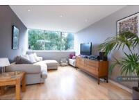 2 bedroom flat in Claudia Place, London, SW19 (2 bed)