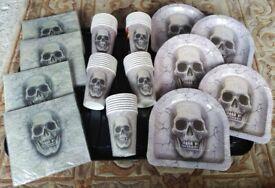 Halloween Skull & Crossbones Event Décor / Party Tableware Bundle Joblot:Paper Cups,Plates,Napkins