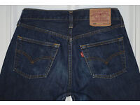 ONE PAIR OF USED MENS LEVIS 501 RED LABEL JEANS. STRAIGHT LEG. W30. L34