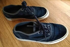 Marks & Spencer Children's Navy Canvas Deck Shoes Size 13 As New Condition