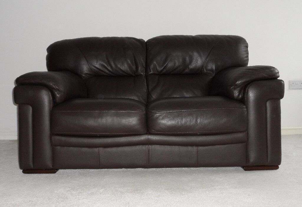 Very Good Condition Dark Chocolate Brown Violino Sofology 2 Seater Premium  Italian Leather Sofa *