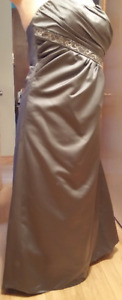 Formal Gown (size 14)