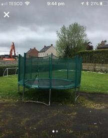 13 foot Trampoline like the one in this picture, GOOD CONDITION