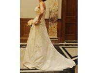 Elegant Charlotte Balbier pre-loved Wedding Dress for sale!