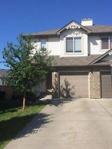 Sherwood Park Two Bedroom Duplex with Basement for Rent