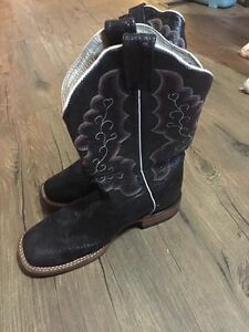 Ladies Cowgirl Boot