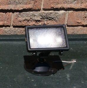 Exterior halogen lamp