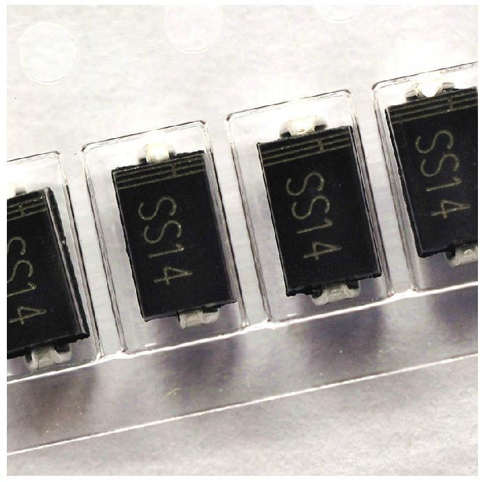 100pcs SS14 1N5819 SMD Schottky Diode NEW