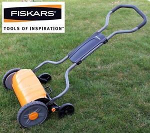 NEW FISKARS STAYSHARP PUSH MOWER 17 in. StaySharp Push Reel Mower 101665412