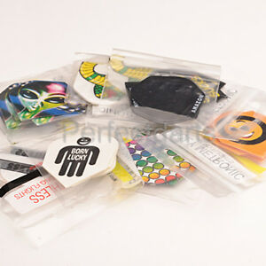 30-DARTS-FLIGHTS-MIXED-COLOURS-AND-DESIGNS-STANDARD-SHAPE-10-SETS-ASSORTED