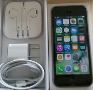 /// iPhone ** SE - 64GB //UNLOCKED //BLACK/GRAY //MINT//WRNTY