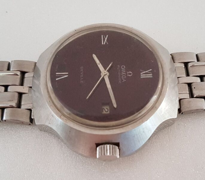 Rare OMEGA automatic winding wrist watch, Swiss Made, DeVille Model, Calibre 1481, Uniquely Shaped