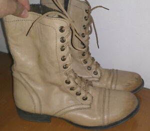 Winter boots size 8 and 9