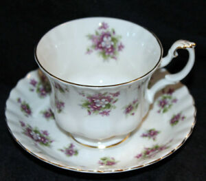 ROYAL ALBERT TEA CUPS & SAUCER'S