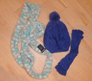 Old Navy puffy vest, mittens, hat, scarf, size 6\7 years Kitchener / Waterloo Kitchener Area image 2