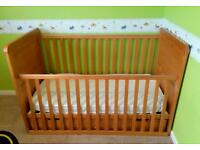 O'Baby Winney The Pooh Cot/bed with under bed drawer