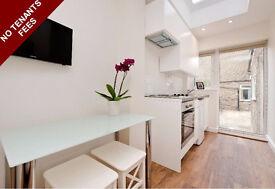 No tenants fees! A stunning beautifully renovated studio flat in Shepherd's Bush