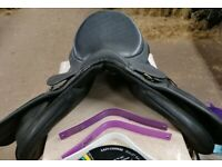 Wintec Wide changeable gullet saddle