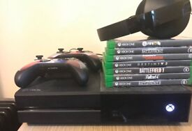 Xbox one 500gb, all games included, two controllers and a headset.