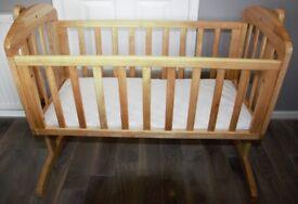 Mamas and Papas Breeze Swing Crib