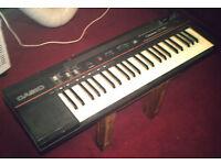Casio piano keyboard CT-102 (beginners)