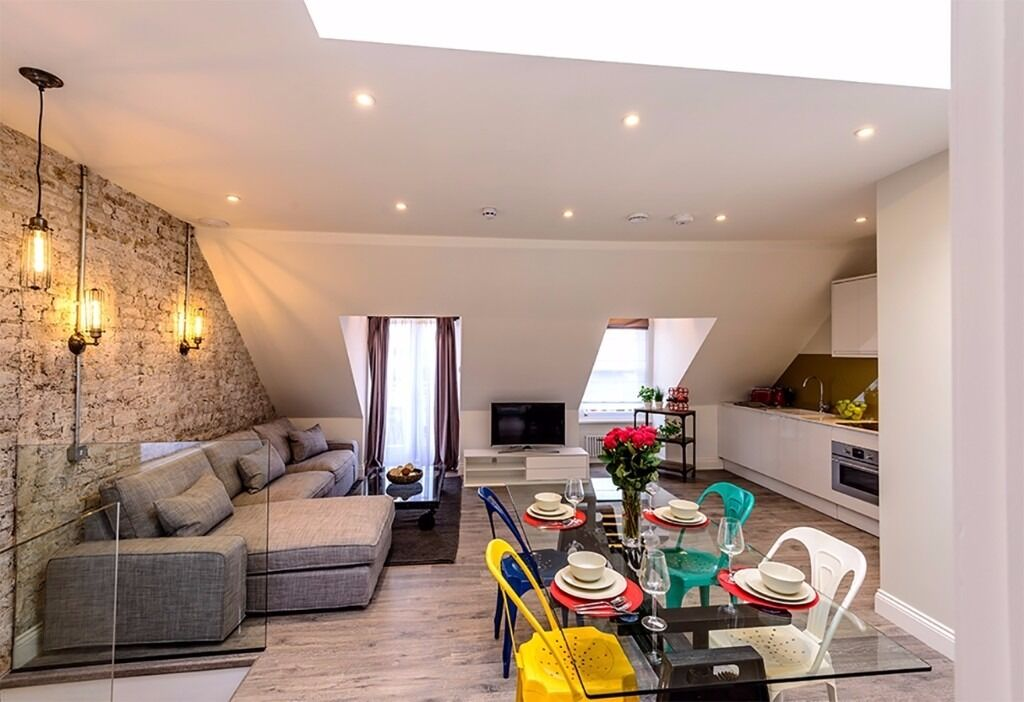 Most beautiful 2 bed top floor flat + roof terrace, Flexible lease - 10'Baker Street by tube