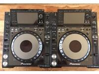 Pioneer CDJ 2000 nexus's.
