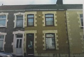 Two rooms in newly refurbished 3 bed house, 10 mins from Bay and Singleton Campus