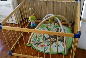 Wooden playpen Port Kembla Wollongong Area Preview