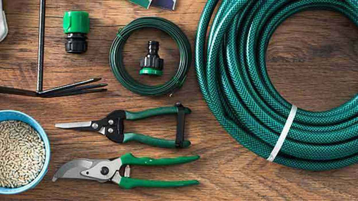 7 Tools Every Gardener Should Own  5 Essential Gardening Tools for  Beginners eBay. What Are Five Essential Garden Tools To Own   SNSM155 com