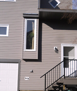 FOR RENT TOWNHOUSE (MILLWOODS)