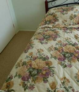 SINGLE Bedspread Logan & Mason Quality Bed Cover Floral Bomaderry Nowra-Bomaderry Preview