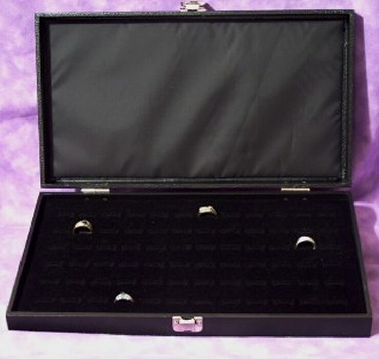 72 RING TRAVELING WOOD DISPLAY CASE WITH HINGED LID