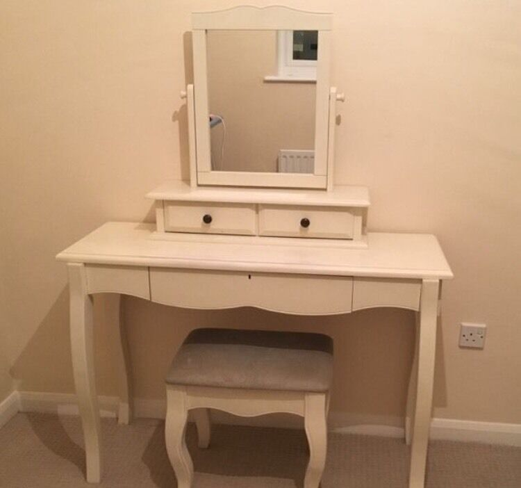 NEXT Cream Dressing Table, with mirror and stoolin Ringwood, HampshireGumtree - NEXT Cream Dressing Table, with mirror and stool. In great condition, has some slight marks. Was originally bought from NEXT for £500. Sensible offers accepted