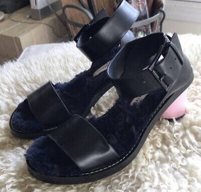 Zara Round Heel Sandals With Faux Fur shoes Size 6