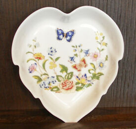 AYNSLEY Fine Bone China, Leaf shaped Trinket Dish. Cottage Garden Design, 122mm (12.2cm) x 133mm