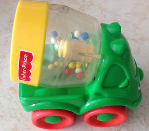 1999 FISHER PRICE # 71333 HAPPY CEMENT MIXER GREEN RATTLE Gatineau Ottawa / Gatineau Area image 1