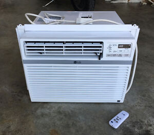 LG Window Air Conditioner *REDUCED*