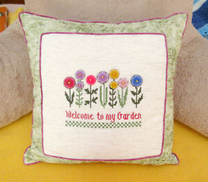 WELCOME TO MY GARDEN Decorative Pillow / Coussin - Hand Stitched