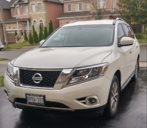 2015 Nissan Pathfinder SV in new condition